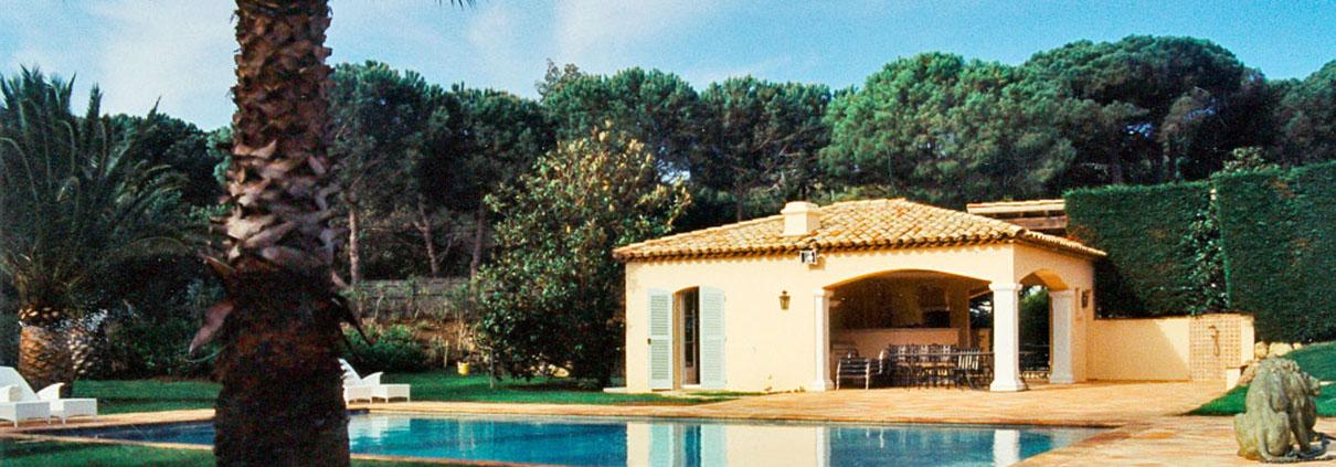 Ferienhaus mit Terrassenfliesen